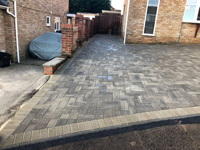 Block Paving, Decorative Edging and Garden Wall Project