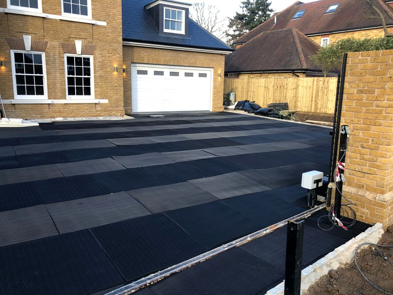 Driveway and entrance hall surfacing
